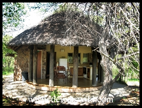 Mopani_bungalow
