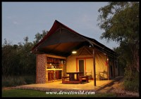 OuKlip's luxury safari tents (in Dinokeng Game Reserve)