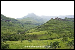 The view from Thendele towards the Amphitheatre and Tugela River on an overcast morning
