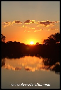 A view of the sunset from the deck of unit 10 (Loerie) at Tlopi Tented Camp (photo by Joubert)